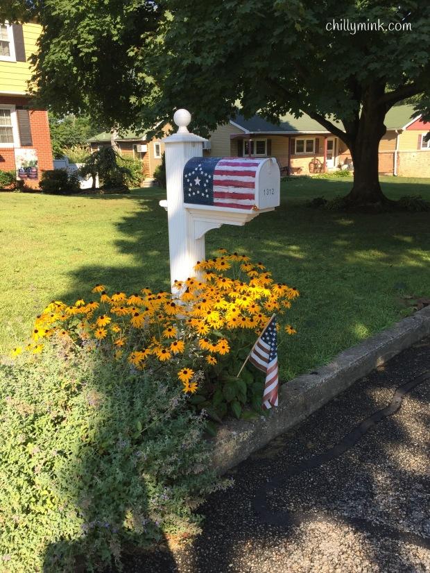 CM patriotic mailbox