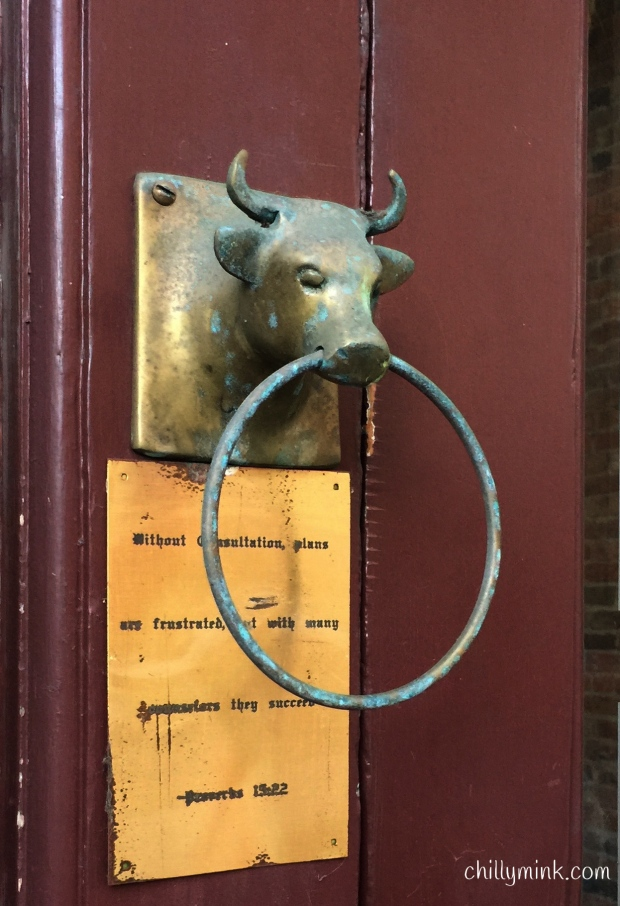 cm-corning-bull-doorknocker_fotor